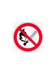 Р 02  Запрещается пользоваться открытым огнем и курить